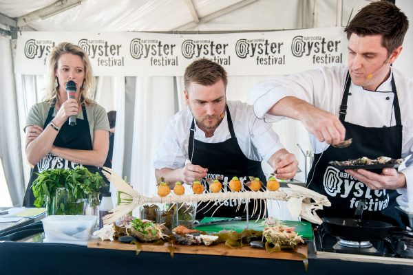 2018-narooma-oyster-festival-cooking-demo-7