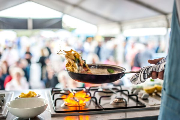 2018-narooma-oyster-festival-cooking-demo-8